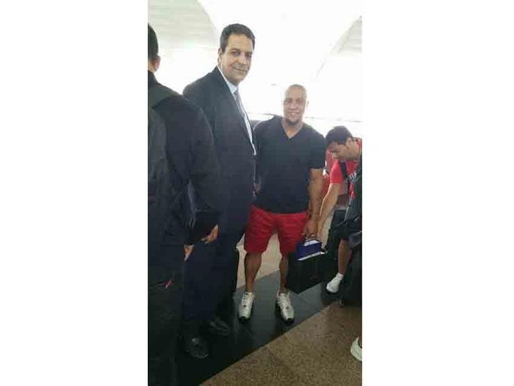 كارلوس وسلجادور وبيريز يغادرون القاهرة بعد حملة ترويجية للسي...مصراوى