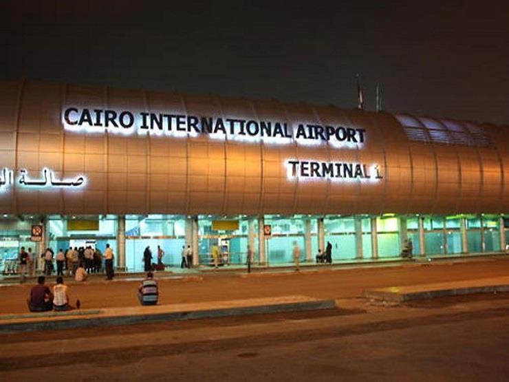 تشديد الإجراءات الأمنية بمطار القاهرة استعدادا لمغادرة السيسي