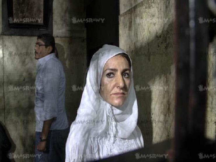 تأجيل إعادة محاكمة ياسمين النرش في التعدي على ضابط بمطار القاهرة لـ7 سبتمبر
