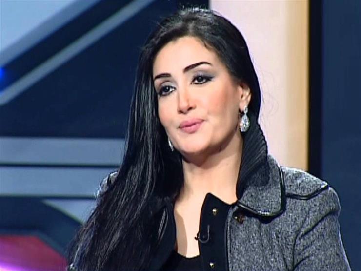 """بالفيديو- غادة عبد الرازق تبكي في لايف جديد: """"أنا آسفة.. سامحوني"""""""
