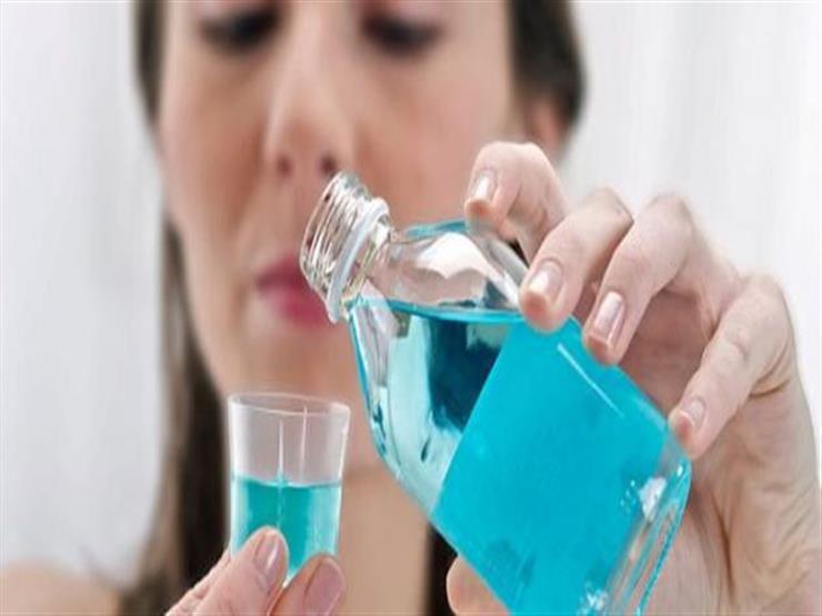 هل غسول الفم يحميك من كورونا؟.. الصحة العالمية تجيب
