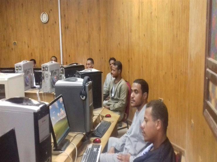 تدريب ومكافآت مجزية.. دورات في الحاسب الآلي تؤهل الشباب للعمل بجنوب سيناء