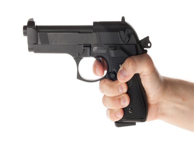 """إخلاء سبيل ضابط أطلق أعيرة نارية على سائق """"ميكروباص"""" بدمياط"""