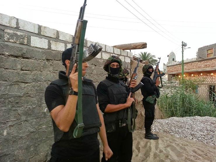 الداخلية: مصرع عنصرين شديدي الخطورة في تبادل لإطلاق النار مع الشرطة بالدقهلية