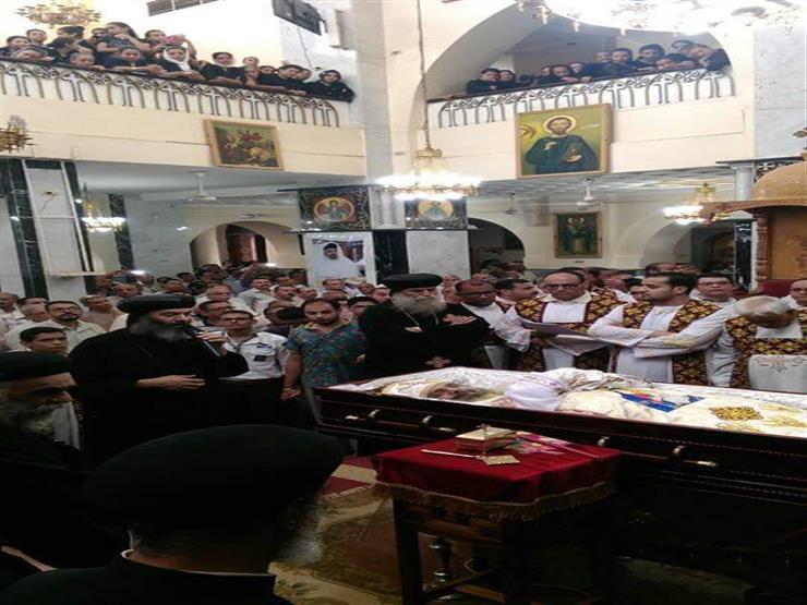 """قداس للصلاة على روح القمص """"أيوب مرقس"""" كاهن كنيسة العذراء بقنا"""