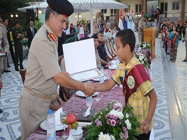 القوات المسلحة تكرم الطلبة المتفوقين دراسياً وتوجه التحية لأسرهم