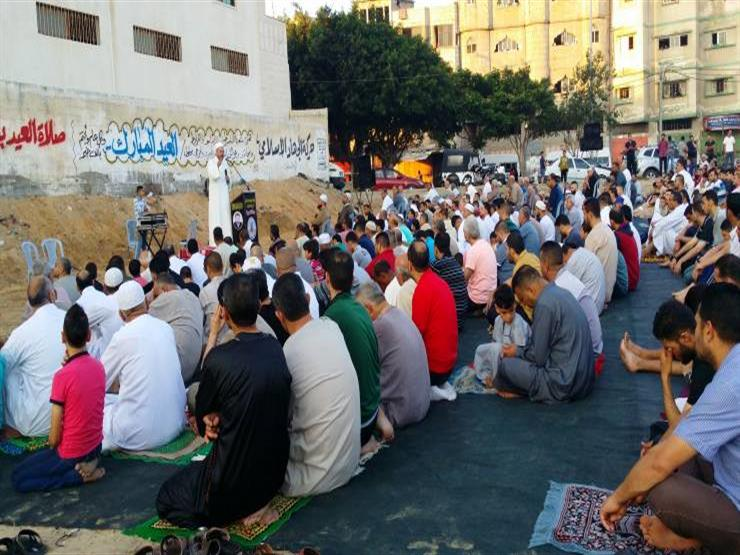 هل خطبة العيد تبدأ بالتكبير أم بالحمد؟.. البحوث الإسلامية يوضح