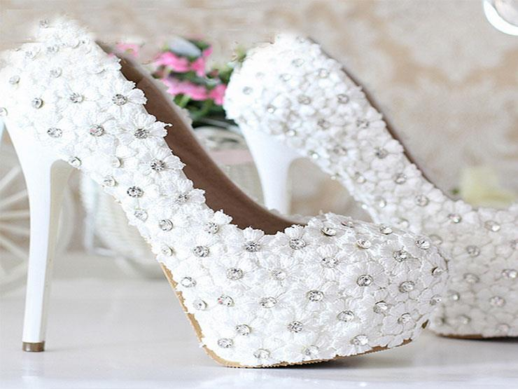 ca42ad171 تعرف على أسعار أحذية الأفراح.. و