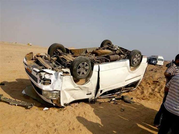 إصابة 5 أشخاص في انقلاب سيارة أعلى محور 26 يوليو