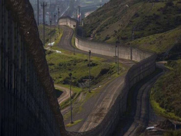 أمريكا تدرس خطة للإبقاء على طرق النقل مفتوحة مع المكسيك