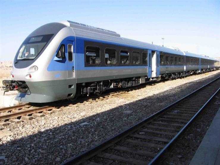 """يخدم 1.5 مليون راكب يوميًا.. 20 معلومة عن """"القطار المكهرب"""""""