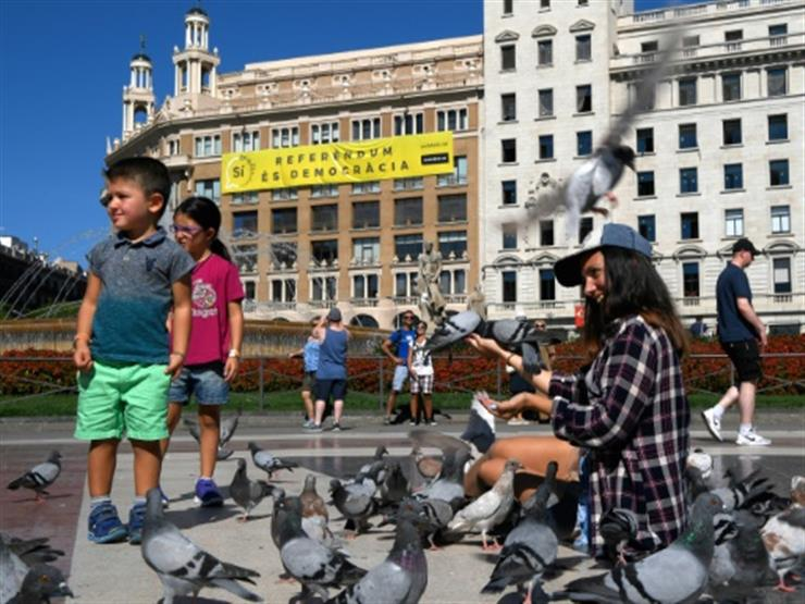 النيابة الإسبانية تهدد بتوقيف رؤساء بلديات كاتالونيا المؤيدين للاستفتاء