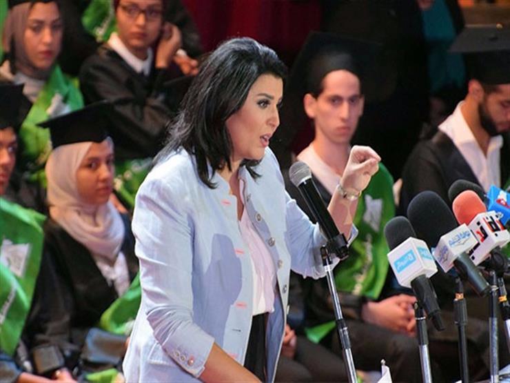 تكريم منى الشاذلي باحتفالية  اليوم المصرى للتعليم  -فيديو...مصراوى