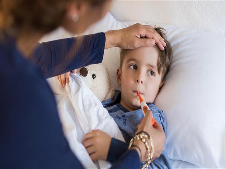 كيف تكشف إصابتك طفلك بالتهاب السحايا؟.. إليك الأعراض والأسباب