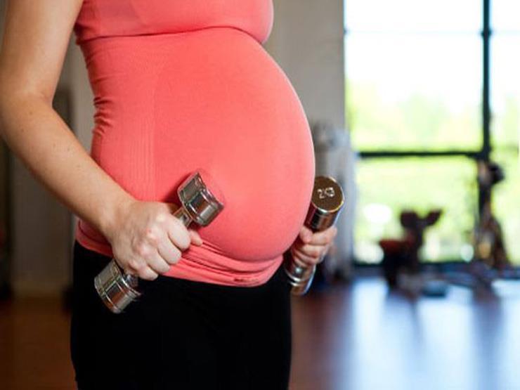 منها القرفصاء.. 4 تمارين تساعد على تغيير وضع الجنين داخل الرحم