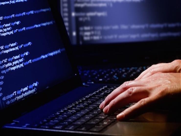 """""""هاكرز"""" يستخدمون مكالمات حقيقية من """"أبل"""" لسرقة بيانات العملاء"""
