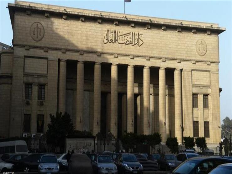 """الجنايات تستمع للشهود في محاكمة بديع و738 آخرين بقضية """"فضّ رابعة"""" اليوم"""