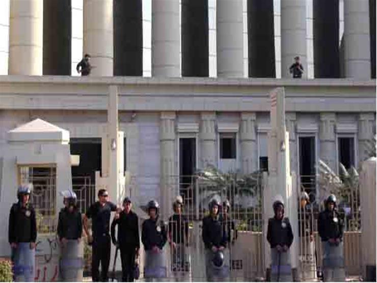 """تجديد حبس 43 متهمًا بالتجمهر أمام قسم المقطم بسبب """"عفروتو"""" 15 يومًا"""