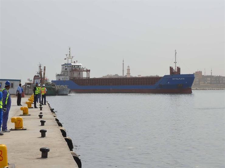 بسبب شدة الرياح وموجة الصقيع.. توقف حركة الملاحة بميناء البرلس