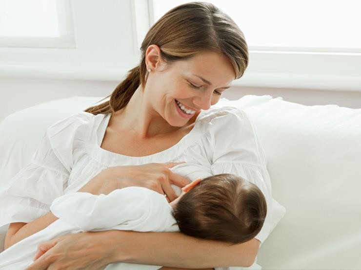 الرضاعة الطبيعية تقلل مخاطر إصابة الأم بالسكر