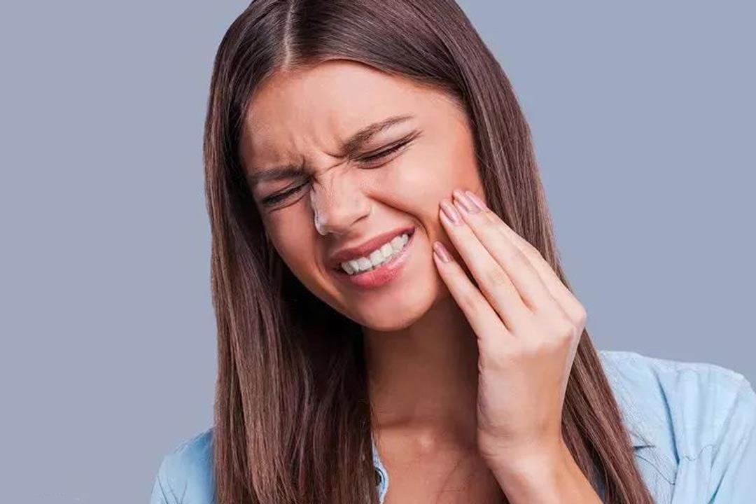 أبرزها الأفوكادو.. أطعمة تخفف ألم الأسنان بعد الخلع