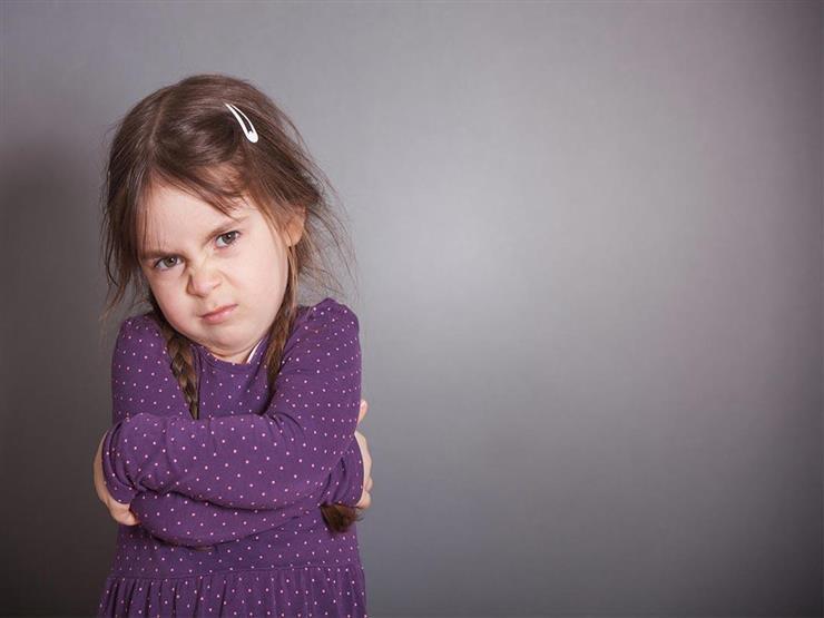 لماذا يؤذي الطفل نفسه؟.. إليك الأسباب والحل