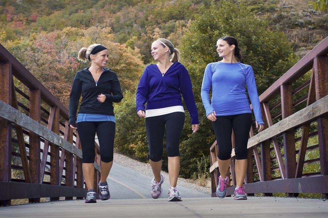 10 فوائد صحية للمشي نصف ساعة يوميا