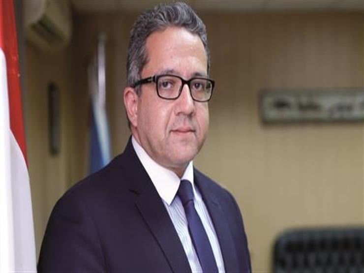 وزير الآثار يتابع الاستعدادات النهائية لنقل تمثال رمسيس الثاني