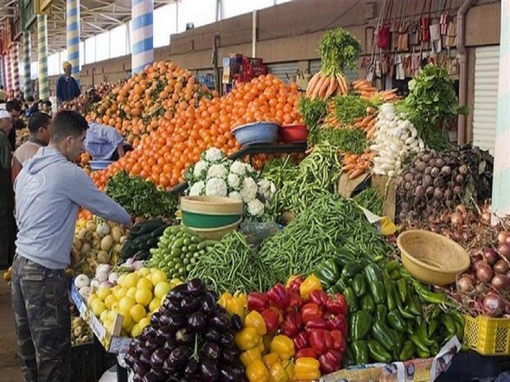 تراجع أسعار الطماطم والخيار وزيادة البصل والباذنجان في سوق العبور اليوم