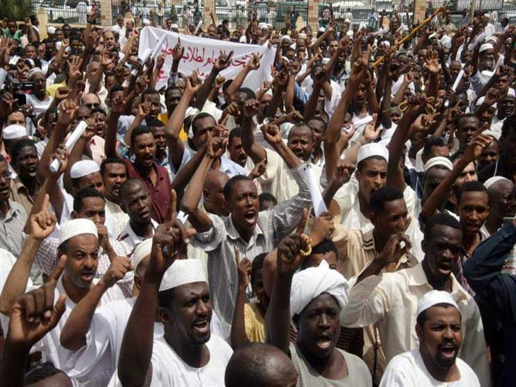 أسوشيتدبرس تكشف.. ماذا فعل البشير في السودان طيلة 30 عامًا؟