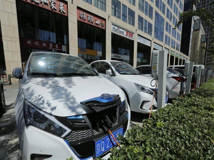 تقرير.. الخبرات الصينية بوابة المصريين نحو السيارات الكهربائية