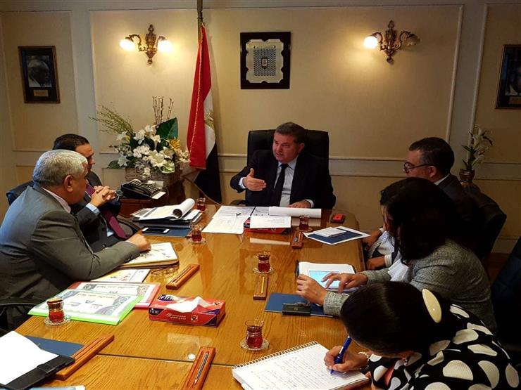 """وزير قطاع الأعمال العام يبحث موقف مشروع توسعات """"مصر للألومنيوم"""""""