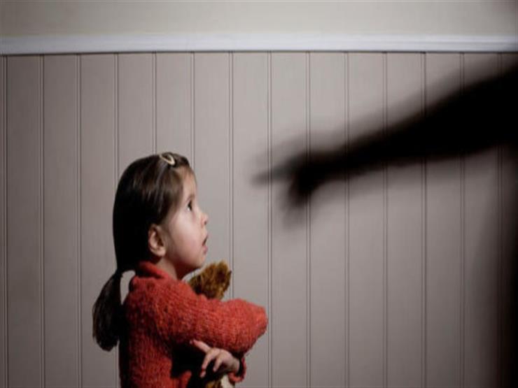 """بعد واقعة مدرس الشرقية.. """"إزاي تعلمي طفلك يحمي نفسه من التحرش""""؟"""