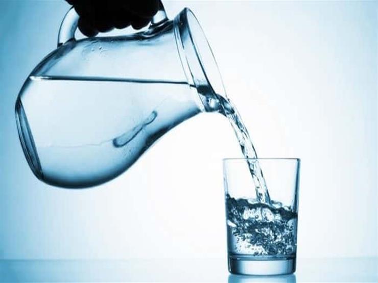 """هل أصيبت بهشاشة عظام؟.. سيدة تشرب """"الكولا"""" بدلًا من الماء منذ 64 عامًا"""