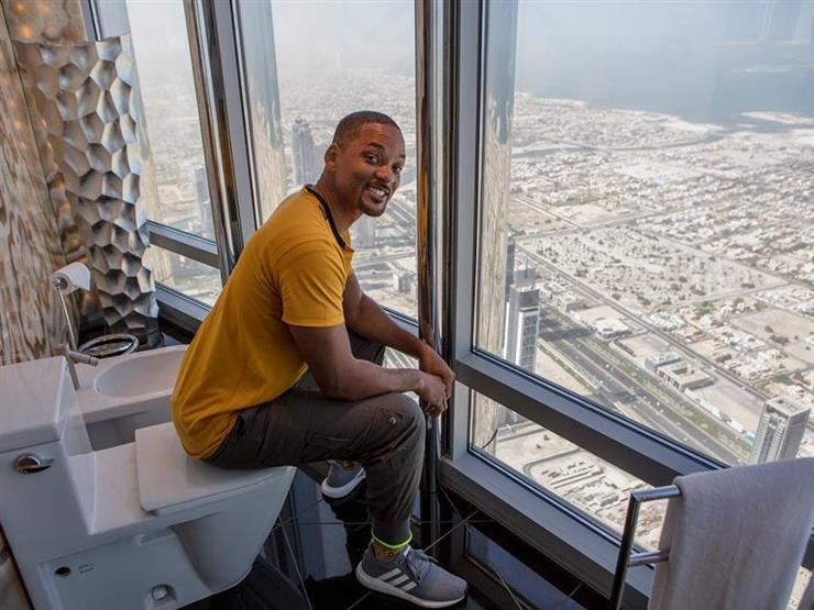 """بالصور- """"حمّام ويل سميث في دبي"""" ليس الأعلى.. هذه أكثر المراحيض ارتفاعًا حول العالم"""