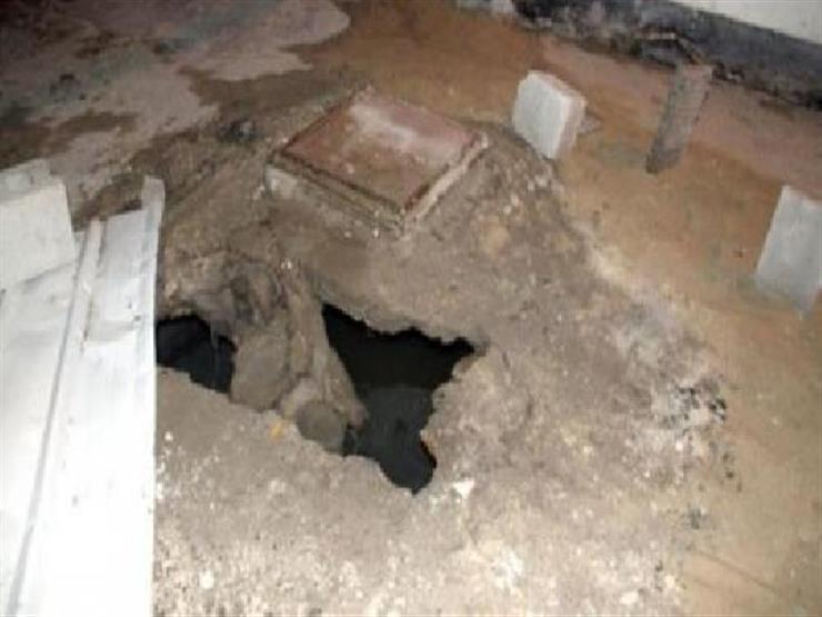 العثور على 20 قطعة أثرية في منزلين بسوهاج