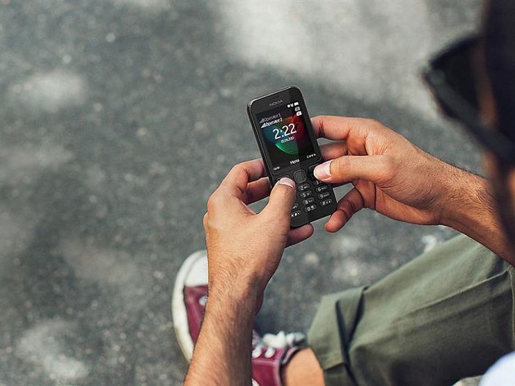 بعد الفضائح.. العالم يعود إلى الهواتف الغبية