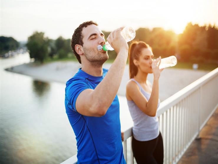لخسارة الوزن.. كم كوب ماء عليك شربه يوميًا؟