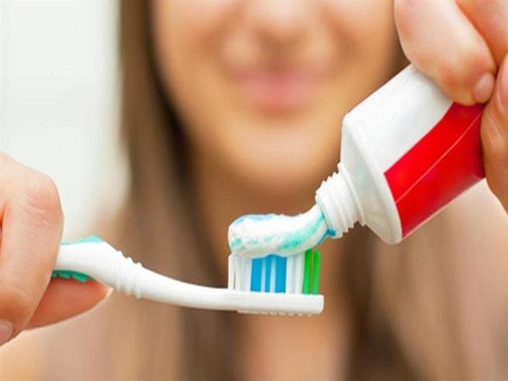 """استخدامات غير متوقعة لمعجون الأسنان: """"حل لمشاكل كتير"""""""