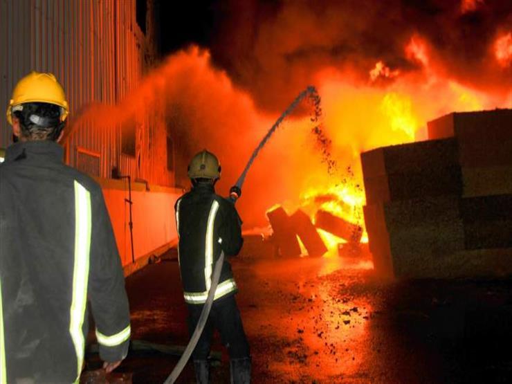 الدفع بــ8 سيارات لإطفاء حريق بمصنع قطن في قرية بالمحلة الكبرى