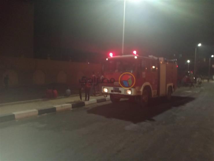 6 سيارات إطفاء للسيطرة على حريق في مصنع بلاستيك بشبرا الخيمة