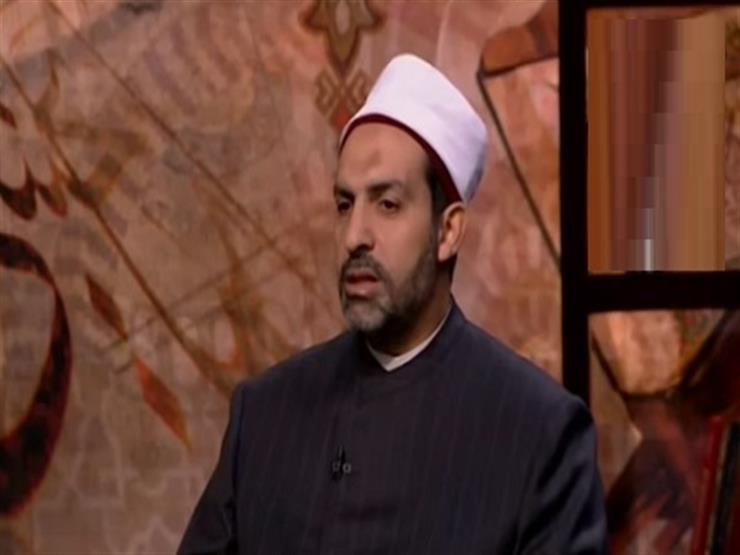 """أمين الفتوى: """"الإيشارب"""" وغطاء الرأس ليسا من الحجاب"""