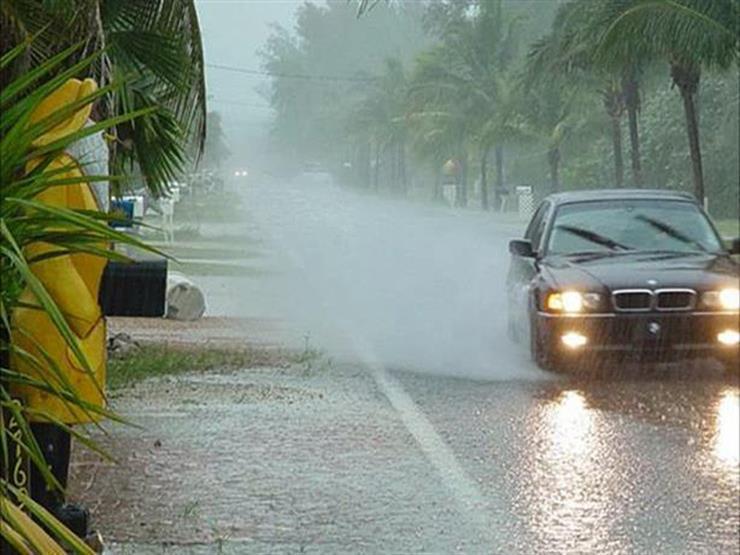 نصائح لقيادة السيارة بأمان عند تساقط الأمطار ونشاط الرياح.. تعرف عليها