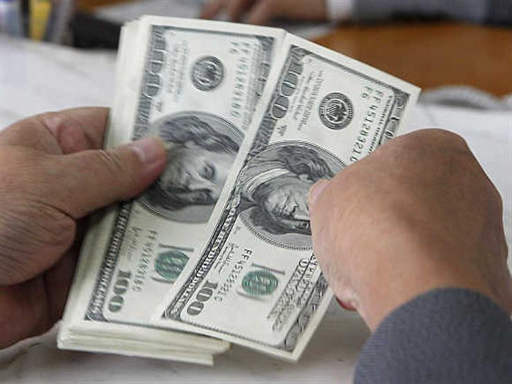 الدولار يستقر أمام الجنيه في 9 بنوك مع بداية التعاملات