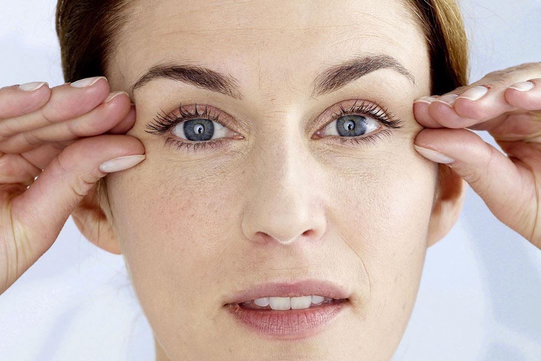 هل يسبب حقن البوتكس في الوجه مشكلات للعين؟