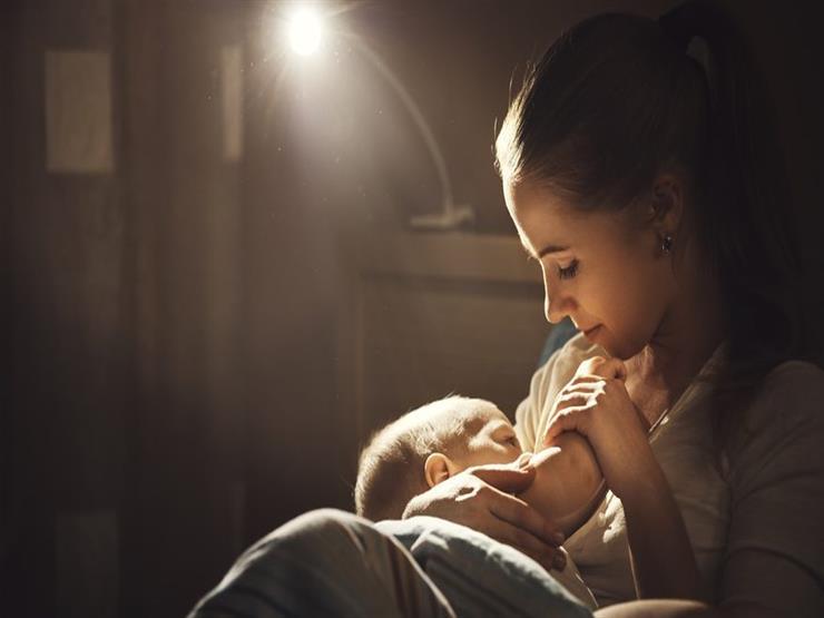 """لحديثي الولادة.. تلك الأطعمة تعزز """"لبن الأم"""""""