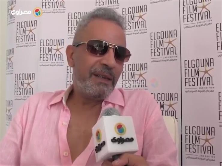 بالفيديو.. صبري فواز يدافع عن ملابس الفنانات في مهرجان الجونة