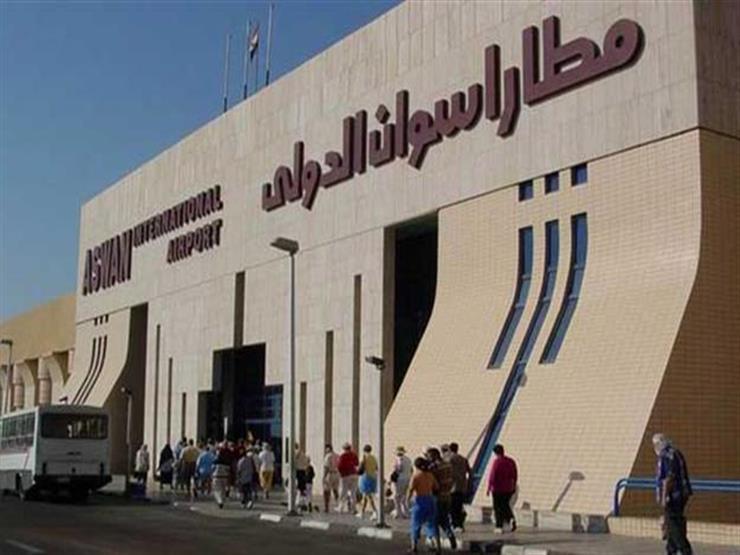مطار أسوان الدولي يستقبل 180 سائحًا إسبانيًا