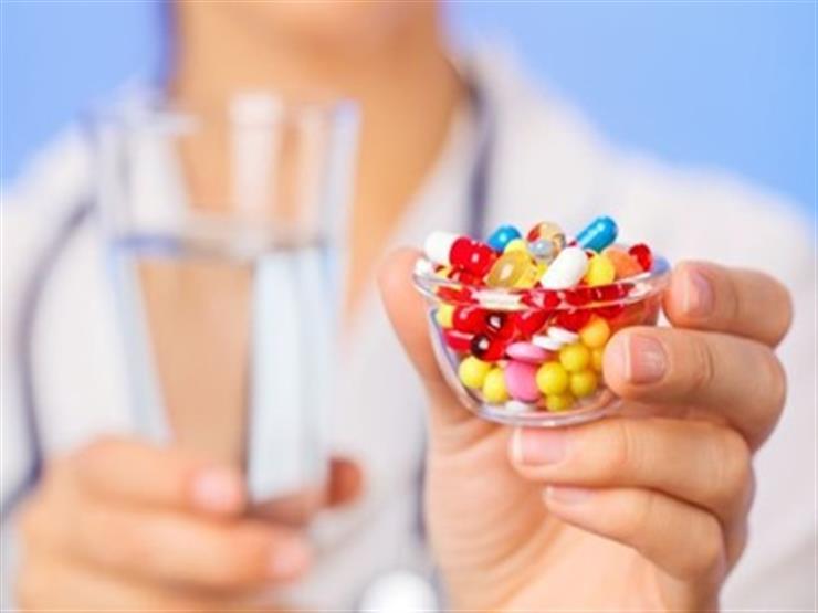 هل المكملات الغذائية تطيل العمر؟ دراسة تكشف الحقيقة