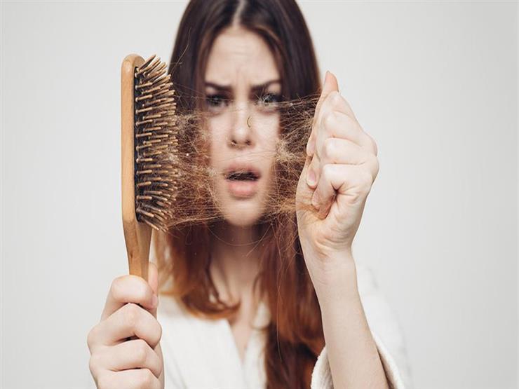 لهذا يتساقط شعرك في الخريف